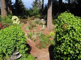 garden path leading to ocean - home for sale Courtenay, Comox